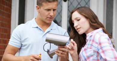Installer la télésurveillance chez ses parents âgés